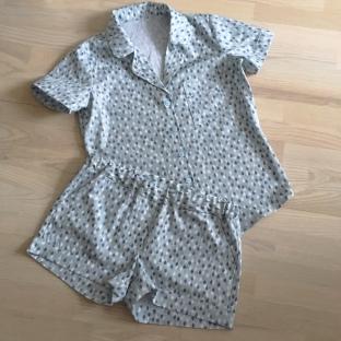 Closet Case Patterns - Carolyn pajamas 2