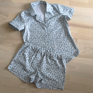 Closet Case Patterns - Carolyn pajamas 2